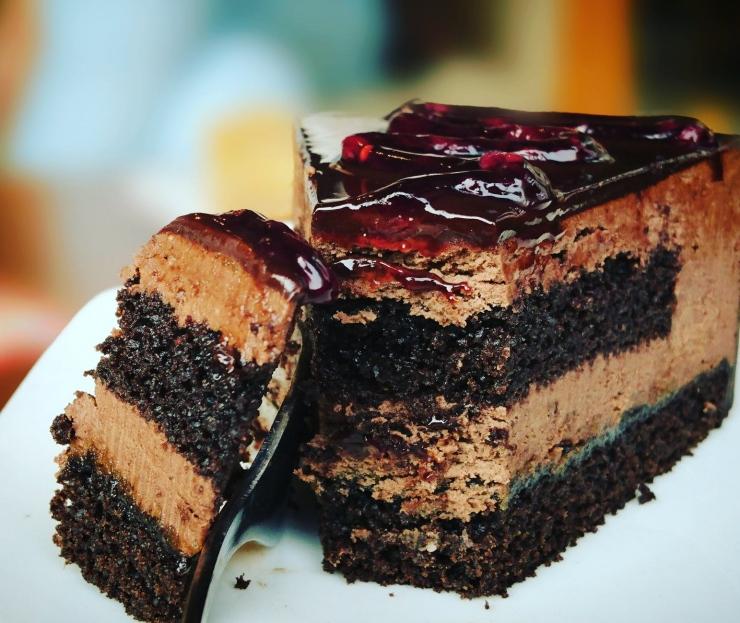 Order Trending Cake For Birthday From The Online Bakery
