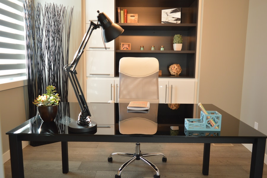 5 Ultimate Tips For Decorating Your Home Office